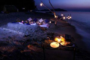 Buổi tối nơi lý tưởng để đốt lửa trại thưởng thức hải sản