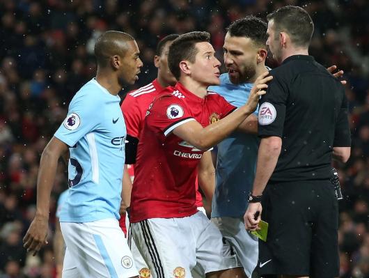 Mourinho hãy ngừng ca thán đi