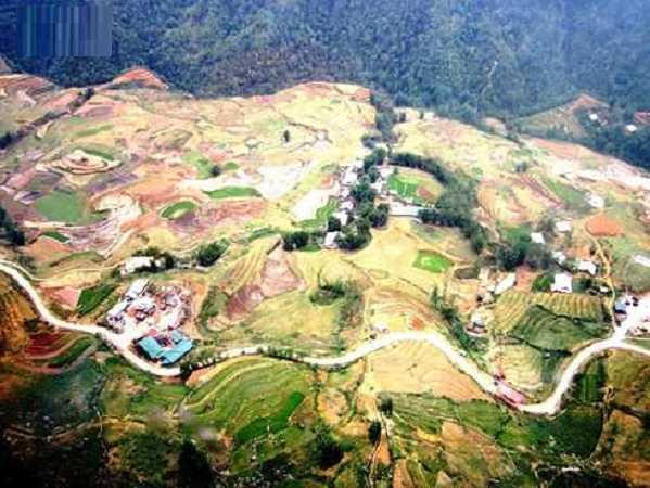 Thung lũng Mường Hoa (Sa Pa- Lào Cai) mùa nước đổ đẹp tựa như một bức họa.