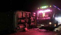 Tai nạn trên quốc lộ làm 14 người thương vong