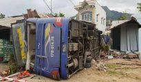 Xe khách đâm sập nhà dân ở Khánh Hòa chạy tốc độ cao vượt mức quy định