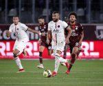 Bóng đá hôm nay 23/9: PSG thắng nhọc đội cuối bảng