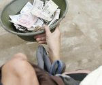 Mơ thấy có người xin tiền điềm báo gì đánh số gì chắc trúng